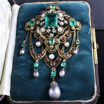 natural pearls, emeralds and diamonds